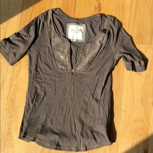V neck T shirt with beading size L